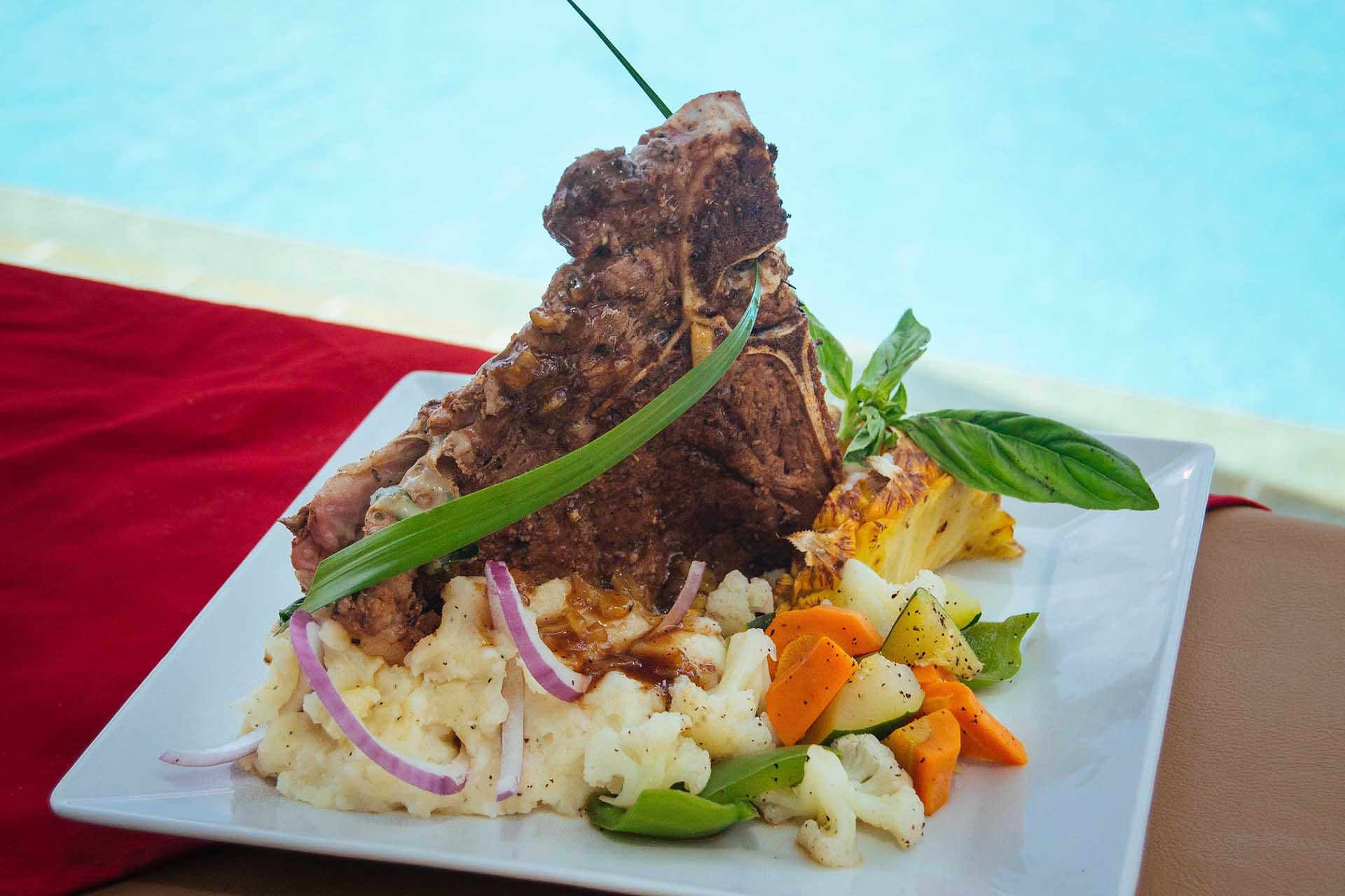Belizean-Grill-Steak