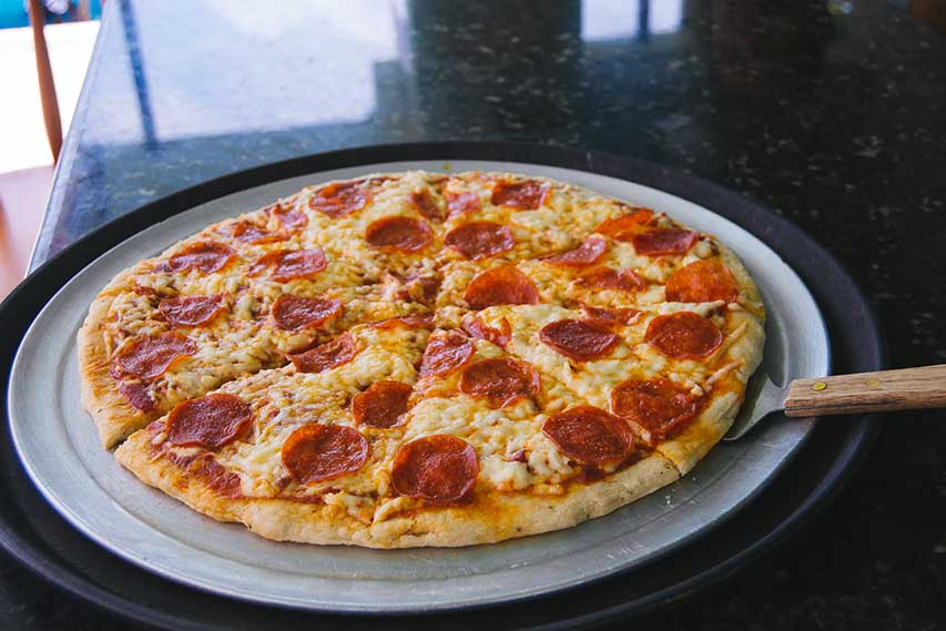 Pepperoni-&-cheese-Pizza